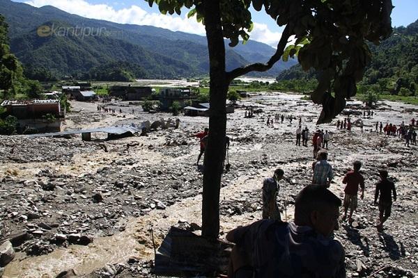nepal-landslide2