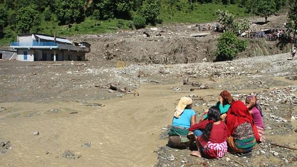 nepal-landslide3