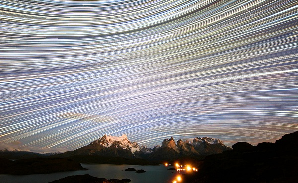 SGU-Torres_Del_Paine-Star_trail-V2-1200x800-CP8-bilin