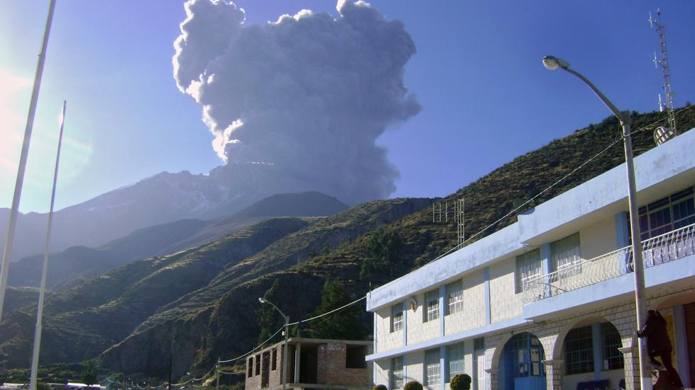 peru-volcano-eruption