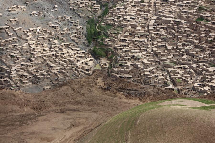 afghan_landslide2