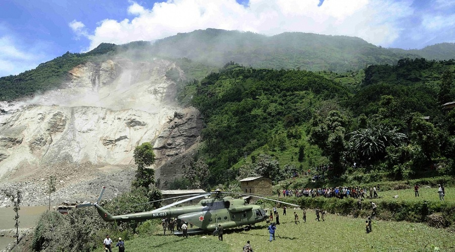 140802-nepal-landslide1