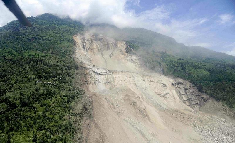 140802-nepal-landslide
