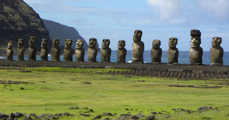 Moai-Statues-of-Easter-Island