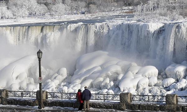 frozen-niagara-falls-012