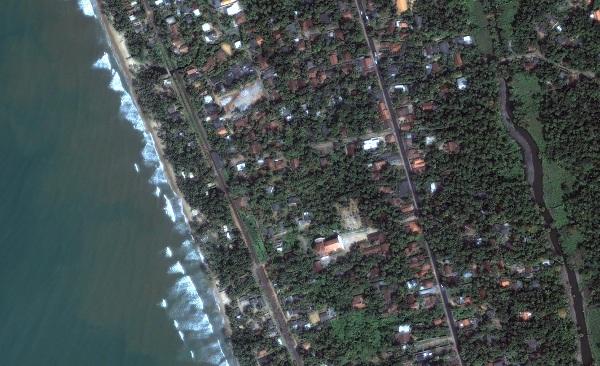 srilanka_kalutara_beforeflood_jan1_2004_dg
