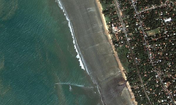 srilanka_kalutara_beach2_dec26_2004_dg