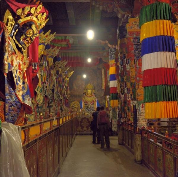 14.фото монастырь Самьев главном храме