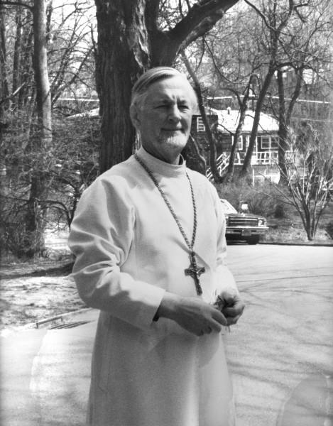 Александр Шмеман  (13 сентября 1921, Таллин, Эстония — 13 декабря 1983, Нью-Йорк, США)