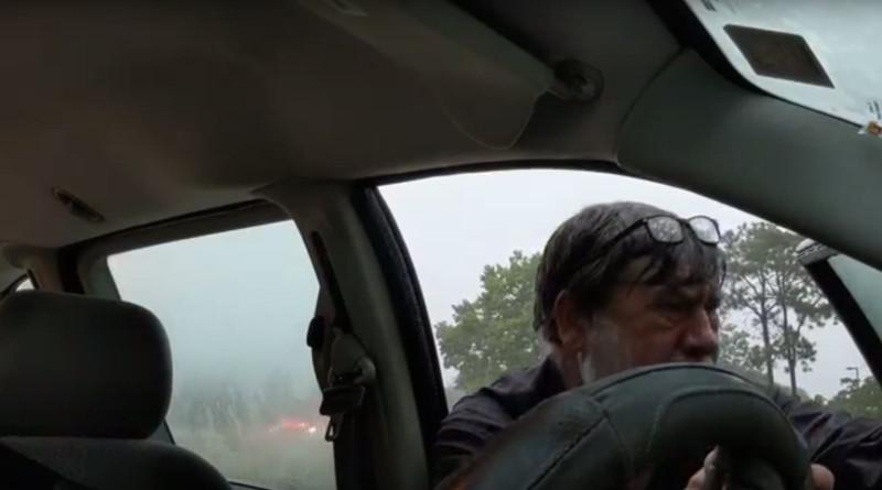 Помимо адской погоды - дождя и молний, которые сверкали как на светопредставлении были попытки других водителей проскочить на скорости, довольно опасные.