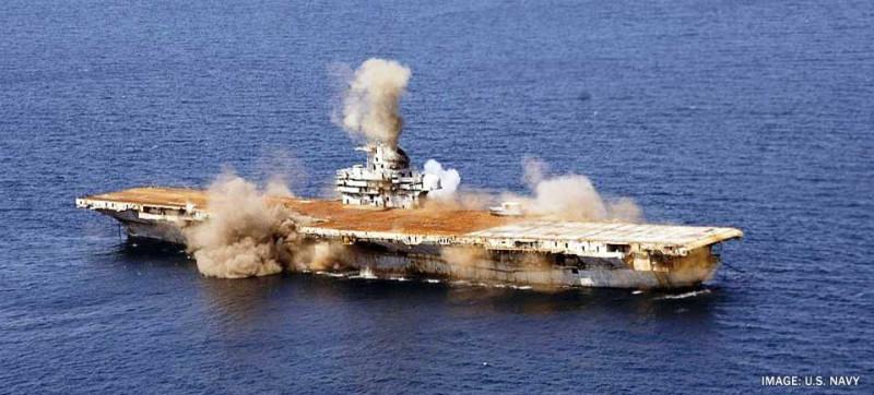 Затопление авианосца Орискани.