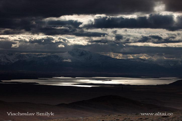 озеро Хурган-Нуур