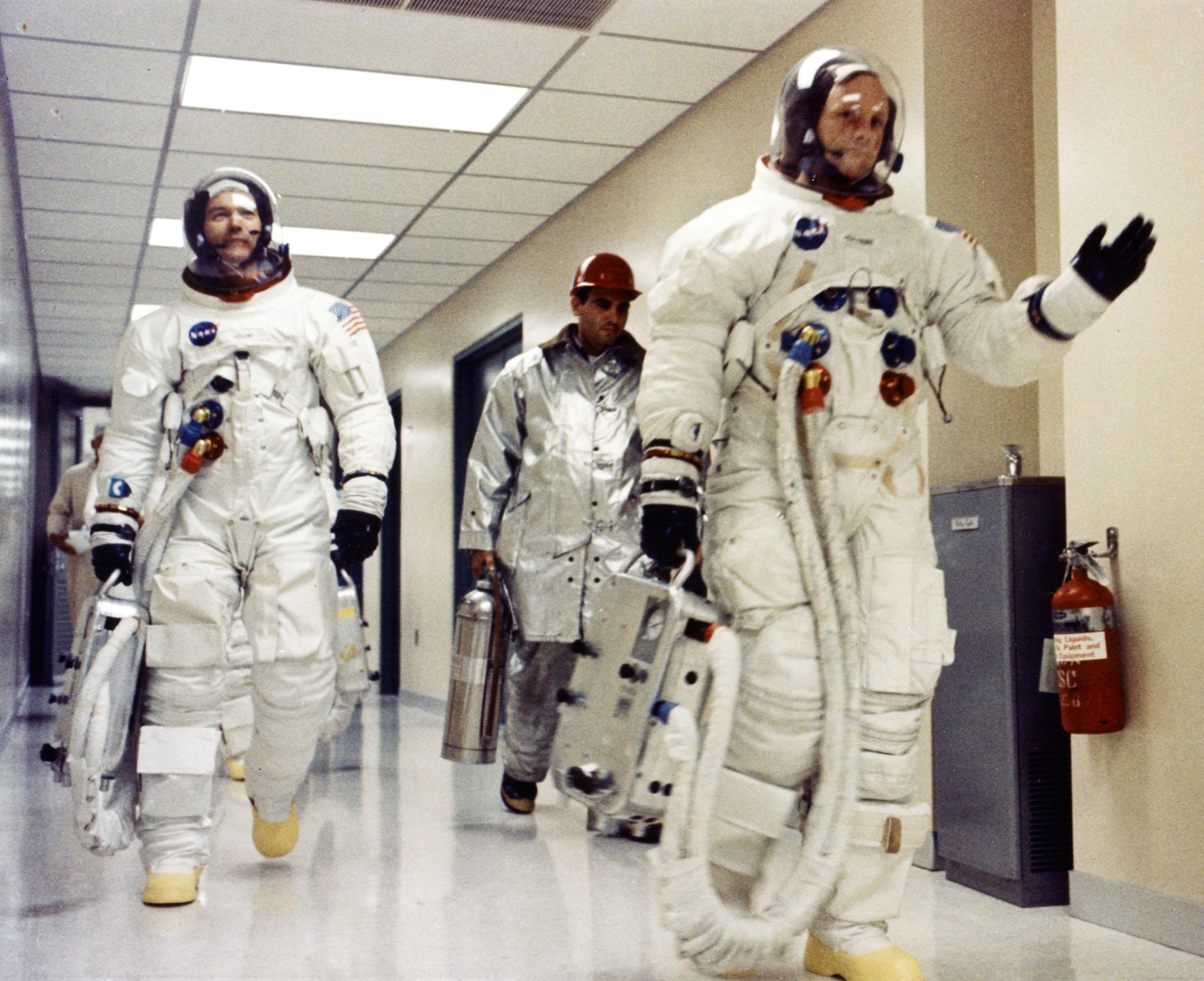 astronauts apollo 11 visite - HD2940×2396