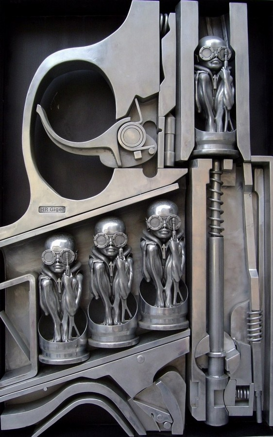 Giger-Birth_Machine_gun (1)