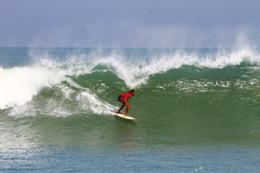 girl_surf_big
