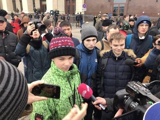 «Мама, у нас восстание!»: На акции 2 апреля искали «кучки»