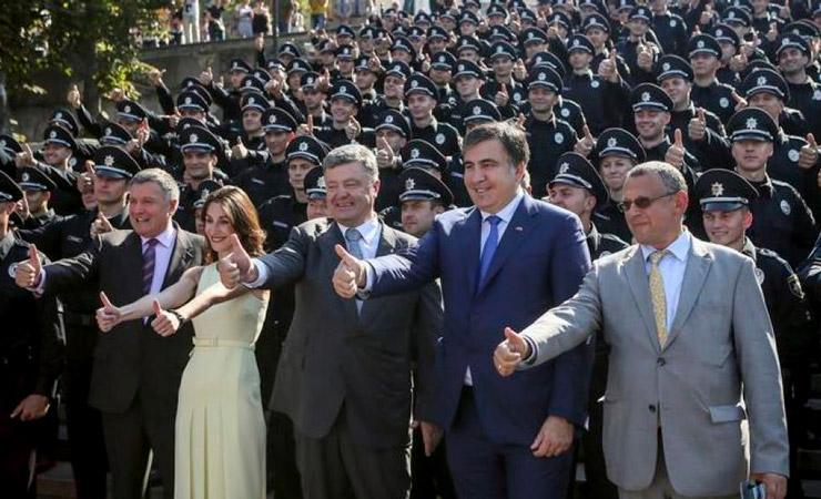 Саакашвили против Порошенко: рабов в рай не пропускают