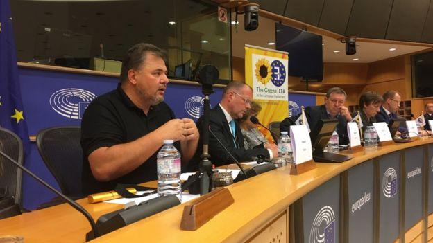 Две информационные бомбы разорвались в Европарламенте