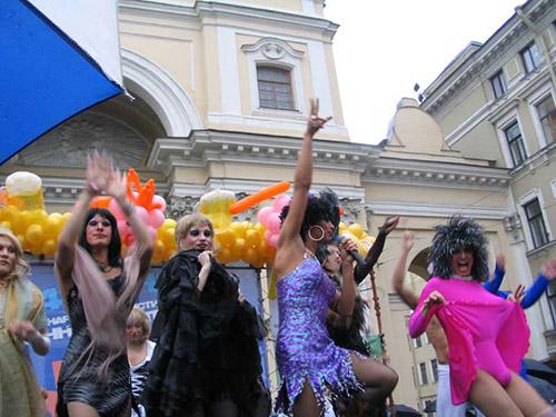 Гомосексуалисты осквернили храм