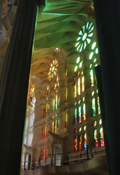 Sagrada Familia. Свет