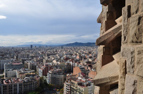 Sagrada Familia. Вид на Барселону