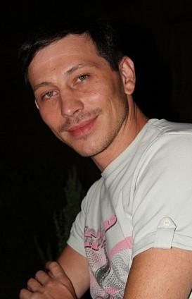 Дмитрия Ярмака, популярного автора роликов про действия ГИБДД сначала сотрудники ГИБДД выкуривалили из машины газом, потом судили в Самаре больше семи часов
