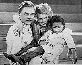 Рожайте хоть голубых! - фраза из фильма Цирк (1936)