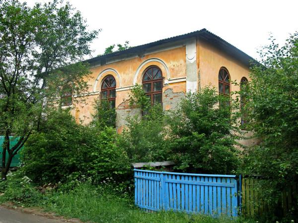 21 Вижниця. Одна з колишніх синагог