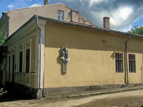 27 Вижниця. Готель Москви-Голоти