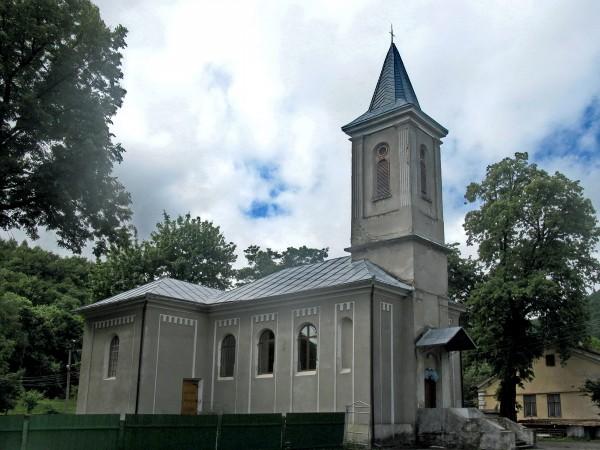 30 Вижниця. Петропавлівський костел
