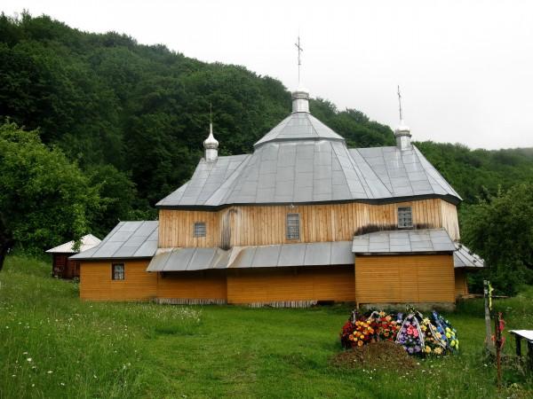 02 Виженка. Церква Іоана Сучавського