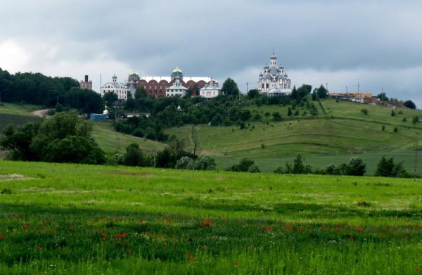 10 Вашківці. Монастир на Анниній горі