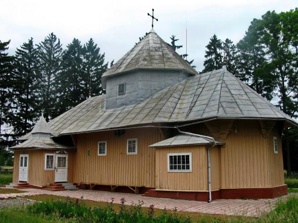 05 Нижні Станівці. Миколаївська церква