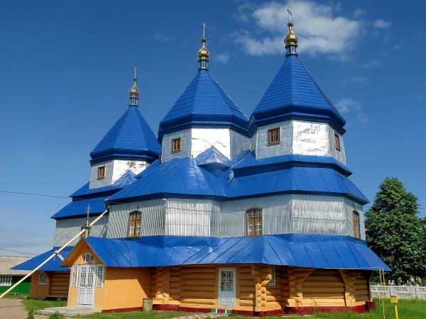 11 Лукавці. Параскевська церква