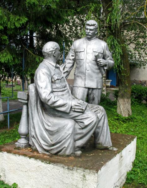 06 Череш. Памятник