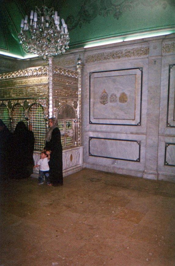 14 Дамаск Могила головы Хусейна.jpg
