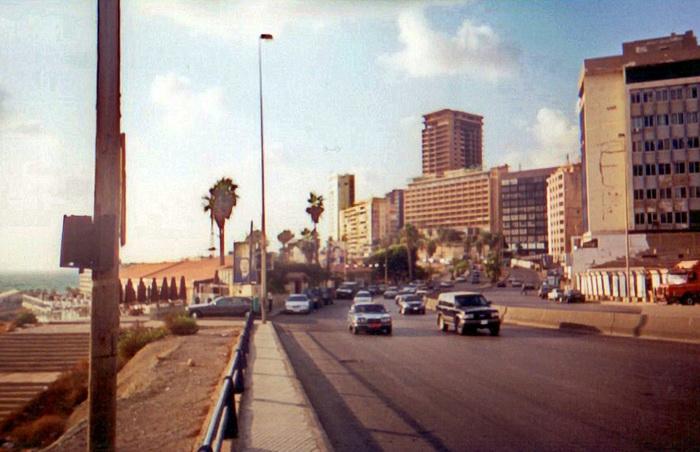 10 Бейрут Набережная Рауша.jpg