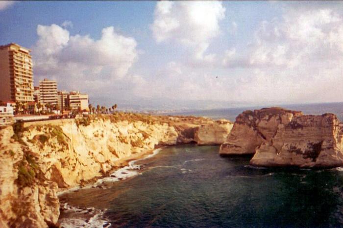 12 Бейрут Голубиные скалі.jpg