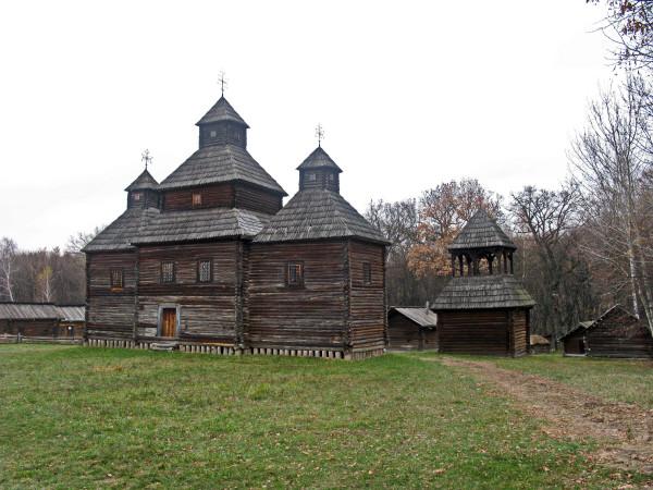 009 Церква с.Кисоричі та дзвіниця с.Великий Жолудськ