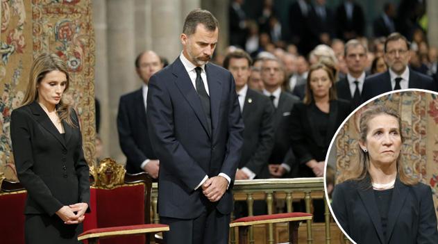 los-principes-y-la-infanta-elena-presiden-el-funeral-por-las-victimas-del-accidente-ferroviario_principalTresGrande