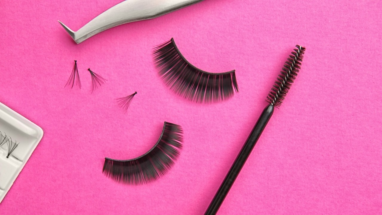e310c8ea99e Your Complete Eyelash Extensions Guide, From Avoiding Infections to Expert  Advice