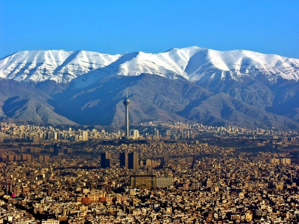 Aerial_View_of_Tehran_26.11.2008_04-35-03