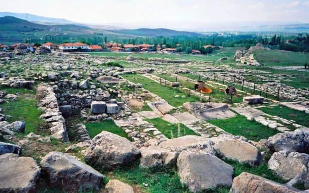 Древний-город-и-мегалиты-Хаттуса-Хаттушаш-21-620x387.jpg