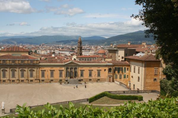 Вид на Флоренцию и дворец Питти