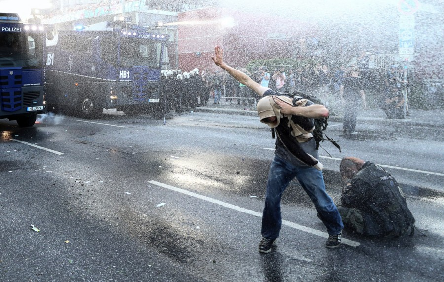 protest3_700