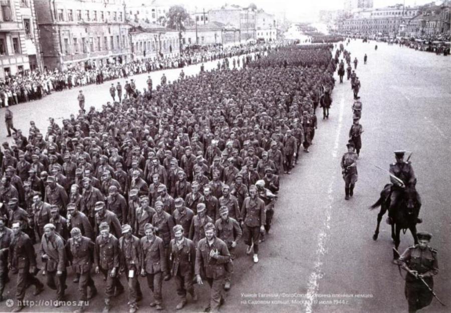 17-ил.-1944-г.-Пленные-немцы.-50-тыс