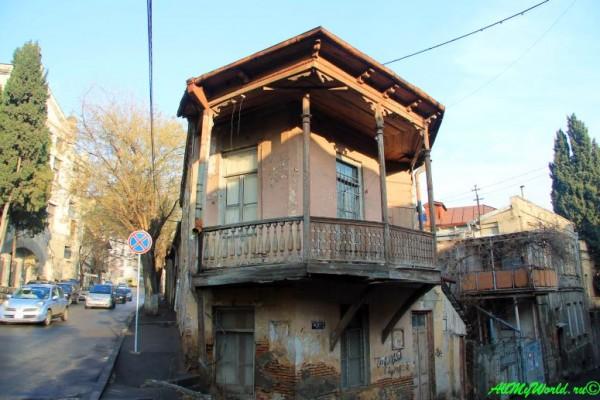 staryj-tbilisi-rajony-sololaki-mtacminda-30