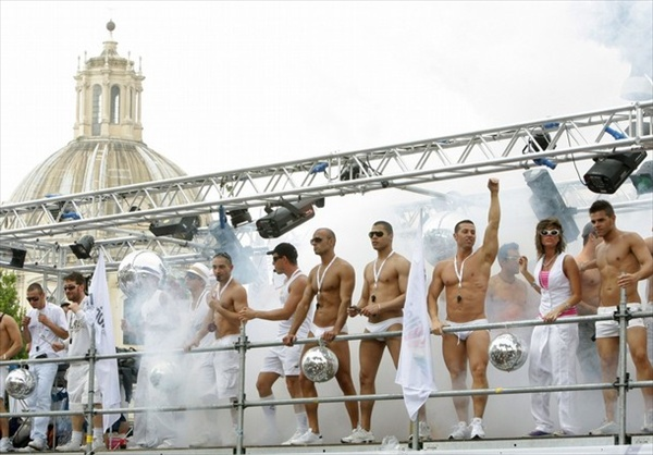 gaypride_rome_italy2