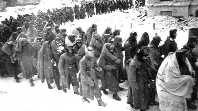 orig-str-736660219-21-noyabrya-1942-goda-nemeckaya-6ya-armiya-f-paulyusa-byla-okruzhena-pod-stalingradom-1449824003