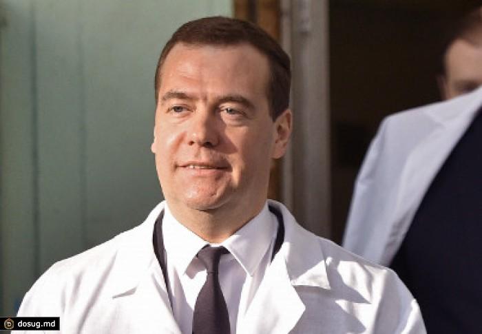 Medvedev-nazval-ispolzovanie-staryih-vag